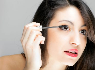 Hi Girls, In today's post you're going to read about the art of blending eyeshadows. As you know, eye make-up is very important to every woman. Thanks to it, you can change your look in a flash, transfer from daily make-up into the evening one, either enlarge your eyes optically or make them smaller. Let's […]