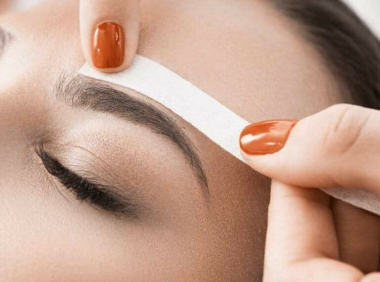 How to effectively remove unibrow? Hair removal with tweezers, wax or laser?