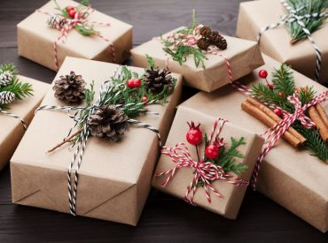 The gift-giving season is getting closer. Beauty products are among top Christmas gifts! It is a great idea provided that you don't buy some random micellar water or shower gel. Are you seeking some inspirations? Let me help you choose the best gift ever! Why is a beauty product a perfect gift? Can cosmetics be […]